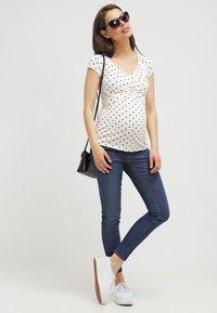 Envie de Fraise - FIONA - Basic T-shirt - off white/navy blue - 1