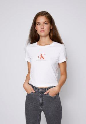 BABY TEE - Print T-shirt - bright white