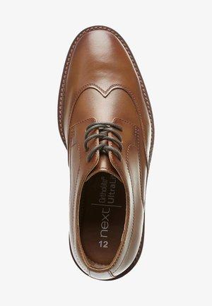 Šněrovací boty - tan