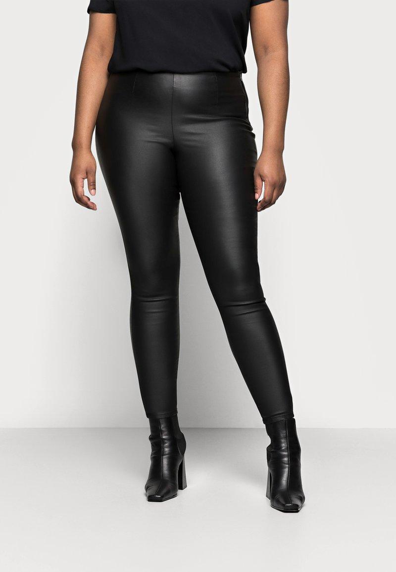 Pieces Curve - PCSKIN PARO CURVE - Trousers - black