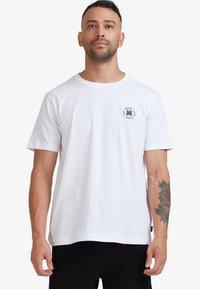 RVCA - SEAL  - Print T-shirt - white - 0