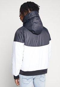 Nike Sportswear - M NSW HE WR JKT HD REV INSLTD - Kurtka przejściowa - black - 2
