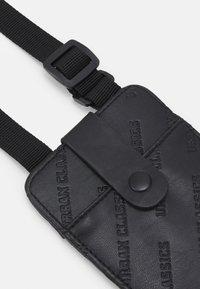 Urban Classics - HANDSFREE PHONECASE WITH WALLET - Phone case - black - 3