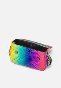 Kurt Geiger London - KENSINGTON BAG - Bolso de mano - multi-coloured - 2