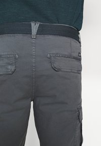 Petrol Industries - WITH BELT - Shorts - wolf grey - 4