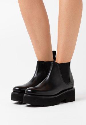 NAOMIE - Kotníková obuv - black