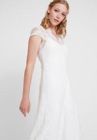 IVY & OAK BRIDAL - BRIDAL DRESS  - Festklänning - snow white - 5