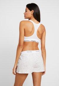Calvin Klein Underwear - SLEEP SHORT - Nattøj bukser - snow heather - 2