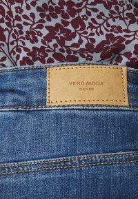Vero Moda - VMLYDIA - Denim shorts - medium blue denim - 4