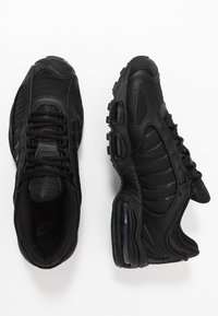 Nike Sportswear - AIR MAX TAILWIND IV - Matalavartiset tennarit - black - 2