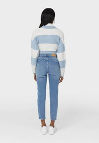 Stradivarius - MOM - Slim fit jeans - blue - 2