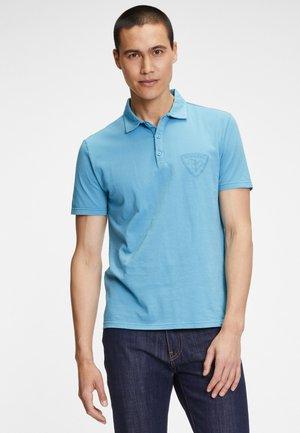 Poloshirt - sugar paper blue