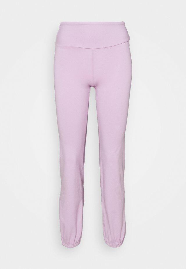 JOGGER PANTS - Trainingsbroek - lilac