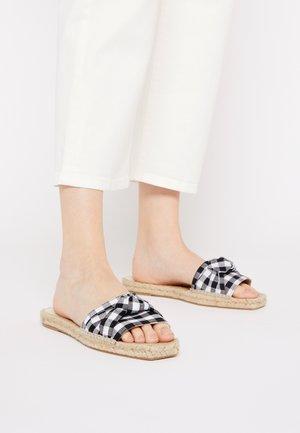 VEGAN KNOT FLAT - Pantofle - vichy