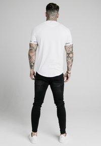 SIKSILK - RAGLAN TECH TEE - T-shirt print - white - 2