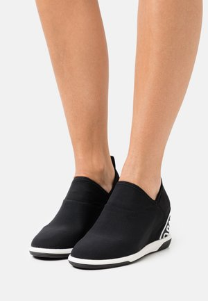 CHRISTINA WEDGE - Trainers - black