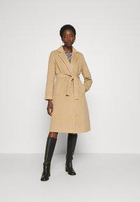 Vila - VIPOKU COAT - Classic coat - tigers eye - 0