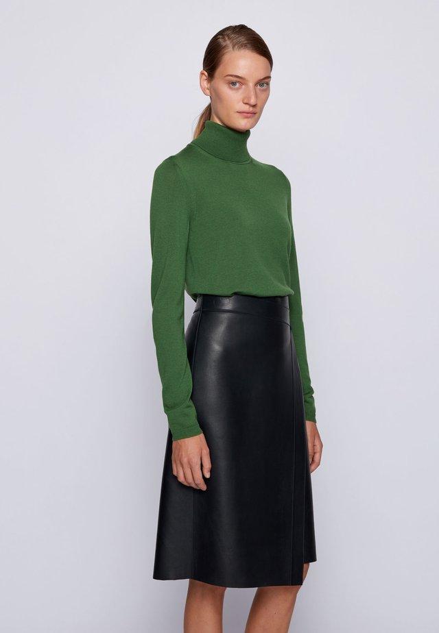 FAMAURIE - Jumper - open green