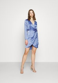 NU-IN - WRAP BALLOON SLEEVE MINI DRESS - Robe de soirée - blue - 1