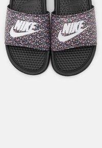 Nike Sportswear - BENASSI JDI PRINT - Sandalias planas - black/white/light arctic pink/baltic blue/firewood orange/cucumber calm - 5