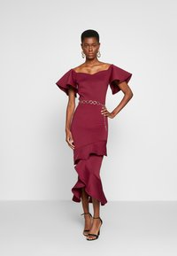 True Violet Tall - BARDOT MIDI DRESS - Sukienka koktajlowa - dark red