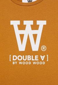 Wood Wood - OLA KIDS - T-shirts print - camel - 2