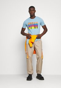 Jack & Jones - JCOHOFF TEE CREW NECK SLIM - Print T-shirt - dusk blue - 1