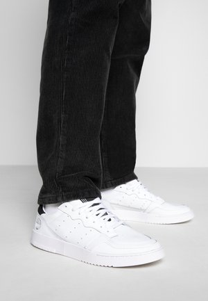 SUPERCOURT - Sneakers laag - footwear white/core black