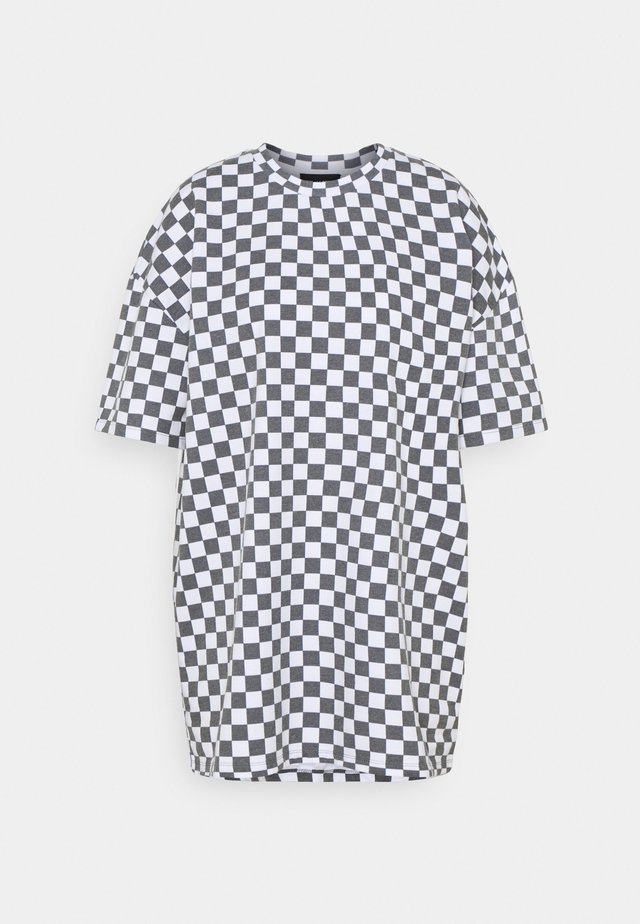 WHITE CHECKERBOARD TEE - Print T-shirt - black/white