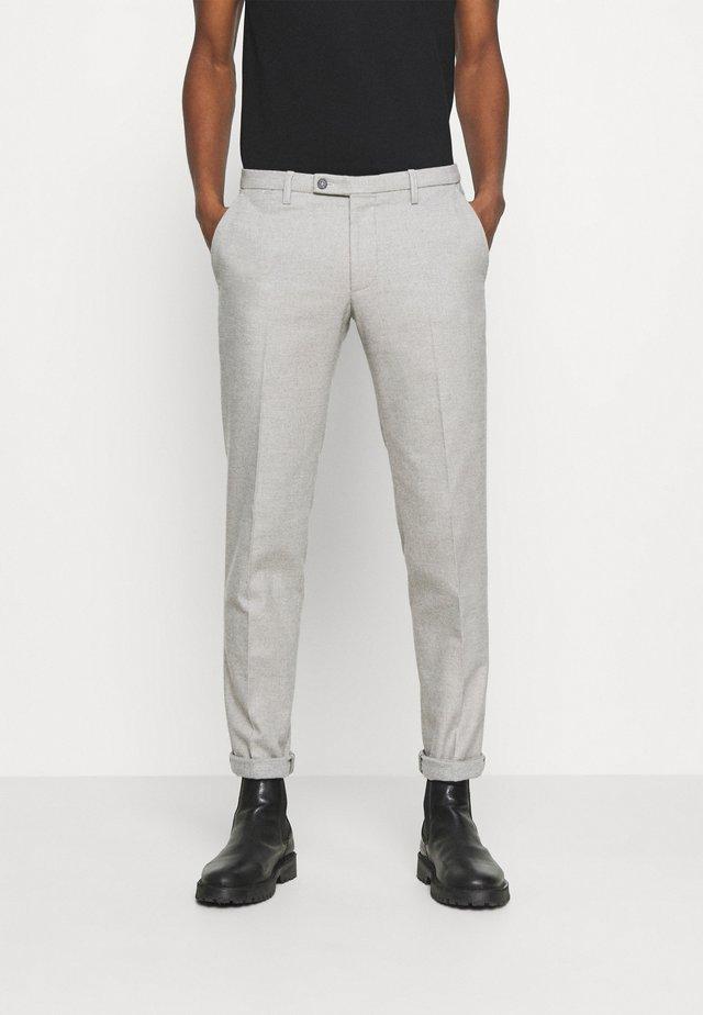 CIBRAVO TROUSER - Kalhoty - grey/beige