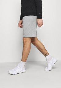 Champion - BERMUDA - Pantaloncini sportivi - light grey - 3