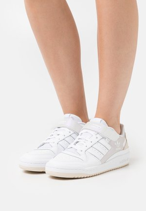 FORUM LOW  - Trainers - white