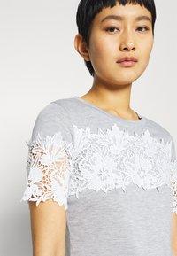 Dorothy Perkins - INSERT TRIM TEE - Print T-shirt - grey - 5