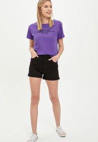 DeFacto - Print T-shirt - purple - 1