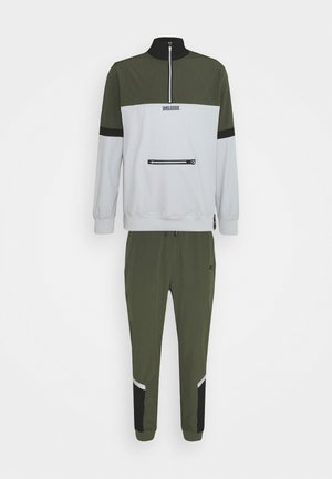 SPORT SUIT ZIP - Tuta - green
