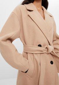 Bershka - Zimní kabát - beige - 3