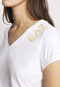 EA7 Emporio Armani - Basic T-shirt - white - 4