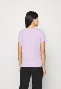 Guess - ORIGINAL - Print T-shirt - lilac forever - 2