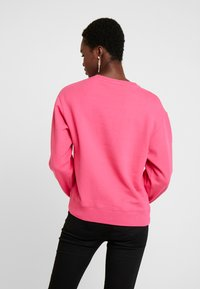 Guess - Sweatshirts - rouge/exotic rose - 2