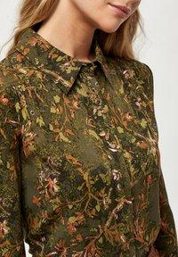 Minus - LELA - Button-down blouse - dark olive flower print - 3