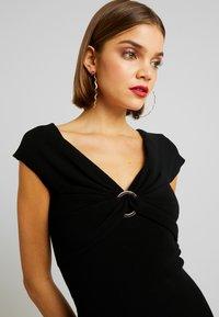 Forever New - CLAUDETTE RING DRESS - Etuikleid - black - 6