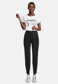 Cartoon - Trousers - schwarz - 1