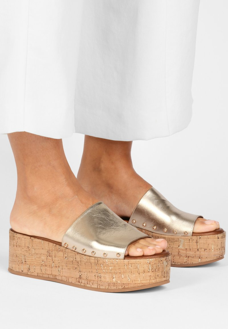 Inuovo - Mules - gold gld