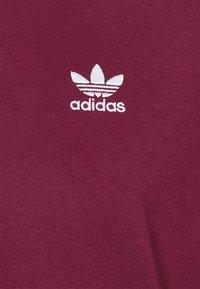 adidas Originals - ESSENTIAL TEE - T-shirt - bas - victory crimson - 2