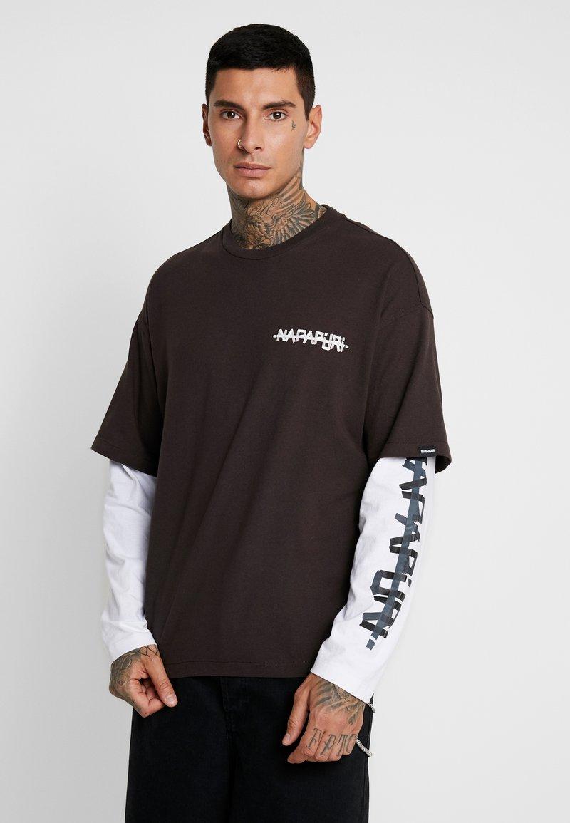 Napapijri The Tribe - SOLT - Langærmede T-shirts - choco brown