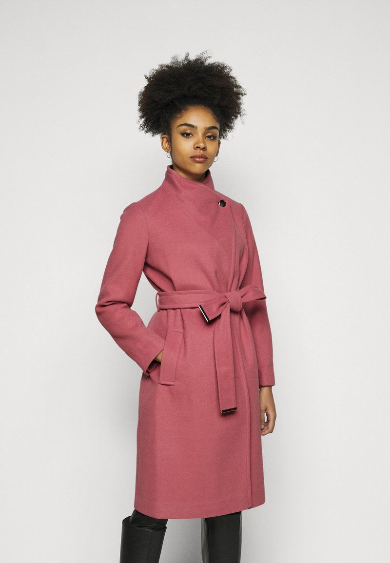 Dorothy Perkins Petite - FUNNEL COLLAR BELTED COAT - Classic coat - blush