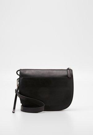 CROSSBODY BAG - Torba na ramię - black