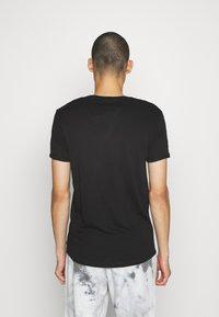 Esprit - T-shirt basic - black - 2