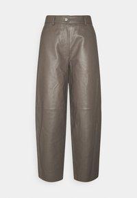 ASTON - Kožené kalhoty - walnut