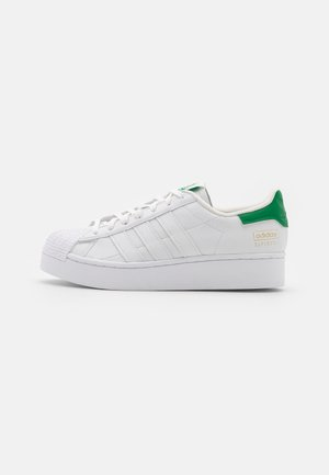 SUPERSTAR BOLD  - Zapatillas - footwear white/offwhite/green